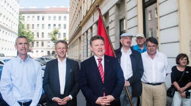 v. l. n. r. Gerald Netzl, LAbg. Ernst Woller, Stadtrat Michael Ludwig, Kurt Cizek (FK 20), Johannes Schwantner (FK Bundesvorsitzender), NR Wolfgang Katzian (FSG)